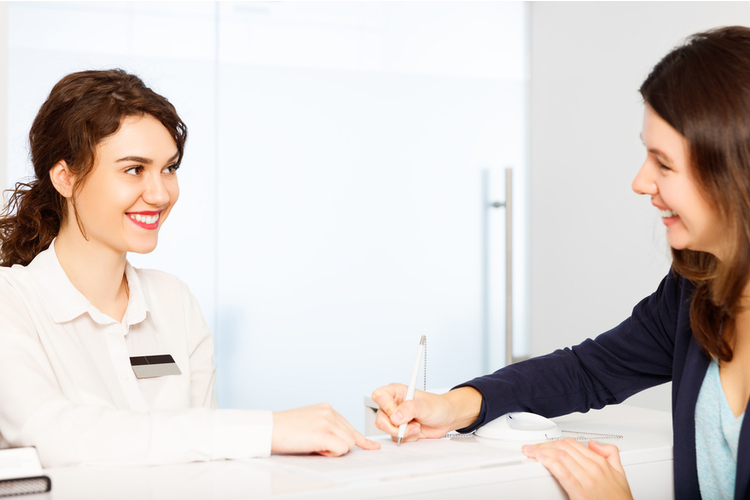 受付のお仕事の将来性って?一般的な雇用形態やキャリアアップについて